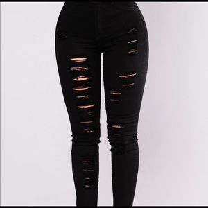 Fashion Nova black distressed jeans size 5